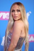 Дженнифер Лопез (Jennifer Lopez) MTV Video Music Awards, 20.08.2018 (95xHQ) 435d26955994974