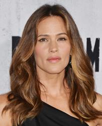 Jennifer Garner - Premiere Of STX Entertainment's 'Peppermint' in LA 8/28/18