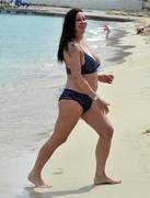 http://thumbs2.imagebam.com/04/da/f7/aa21521225576774.jpg