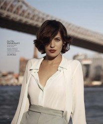 Lola Kirke -                 Marie Claire Magazine December 2017.