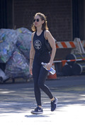 Alison Brie going to the gym in NYC 06/19/2018fcadf1899232394