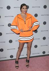 Alyson Stoner - 2018 BeautyCon Festival Day 2 in LA 7/15/18