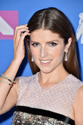 Анна Кендрик (Anna Kendrick) MTV Video Music Awards, 20.08.2018 - 90xHQ 8b71af955982264