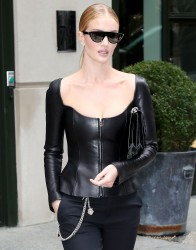 Rosie Huntington-Whiteley - Leaving her hotel in NYC 2/12/18