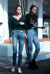 Kaia Gerber & Kendall Jenner - Hanging out in LA 11/18/18