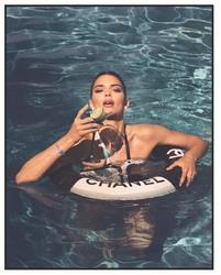 Kendall Jenner - Instagram 11/8/2018 4297e91025888264