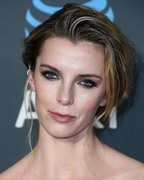 Betty Gilpin - 24th Annual Critics' Choice Awards at Barker Hangar in Santa Monica 01/13/2019