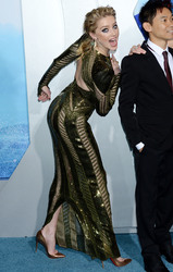 """Amber Heard - premiere of  """"Aquaman"""" in Hollywood, 12/12/2018"""