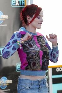 Bella Thorne..... 9ca9d1800120253