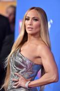 Дженнифер Лопез (Jennifer Lopez) MTV Video Music Awards, 20.08.2018 (95xHQ) 2771ac955994244