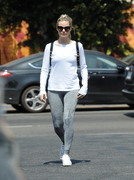 Margot Robbie - Out for lunch in LA 6/28/18
