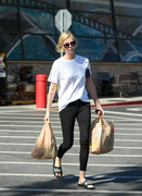 Charlize Theron - Grocery shopping in LA 6/12/18