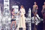 Анна Кендрик (Anna Kendrick) MTV Video Music Awards, 20.08.2018 - 90xHQ E02a2a955980934