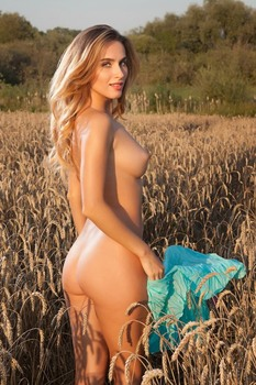 Rena - Field Of Gold - Photo XXX