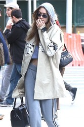 Gigi Hadid - Arriving at her apartment in NYC 4/20/18