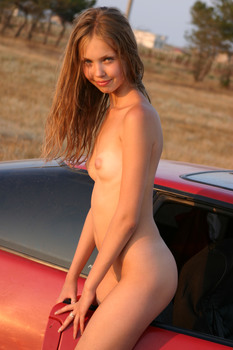 http://thumbs2.imagebam.com/19/b3/c0/e8524f874076274.jpg