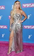Дженнифер Лопез (Jennifer Lopez) MTV Video Music Awards, 20.08.2018 (95xHQ) Be9147955993544