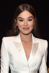 Hailee Steinfeld - CinemaCon 2018 Paramount Pictures Presentation in Las Vegas 4/25/18