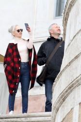 Emilia Clarke - Shopping in Rome 2/2/18