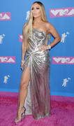 Дженнифер Лопез (Jennifer Lopez) MTV Video Music Awards, 20.08.2018 (95xHQ) Da39f0955993574