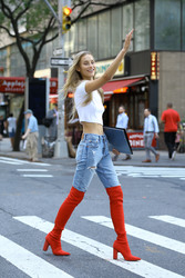 Chase Carter - Arriving at Victoria's Secret Fashion Show Callbacks in NYC 9/4/18
