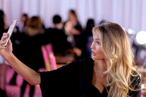 Romee Strijd - 2018 Victoria's Secret Fashion Show in NYC 11/8/2018 e3c74e1026213064
