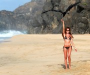 Izabel Goulart in Bikini on the Beach in Fernando de Noronha 12/30/2017387101705335893