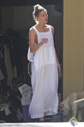 Amber Heard - Cleaning her garage in LA 7/30/2018 a103a0932677694