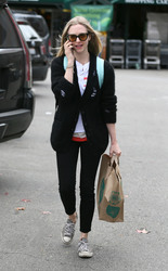 Amanda Seyfried - Shopping at Whole Foods in LA 3/16/18