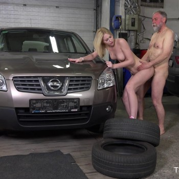 Daniela C - Blondie gets a special service in the garage (2018) FullHD 1080p