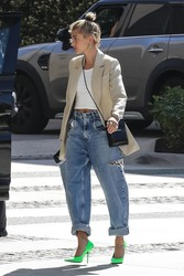 Hailey Baldwin - Out for lunch in Beverly Hills 3/28/19