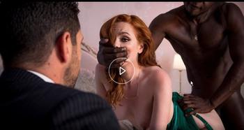 Муж смотрит как жену трахает темный незнакомец. / Ella Hughes - Pale In Comparison (2018) HD 1080p