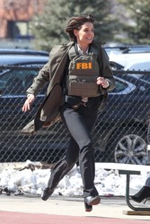 Katie Holmes - Filming Untitled FBI Series in Chicago 4/10/18