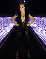 Josephine Skriver - Acoustic Vessel 'Odyessey' Tunnel Sony`s #LostInMusic SXSW Festival 3/15/18