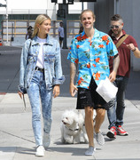 Hailey Baldwin - Out in Beverly Hills 8/26/18
