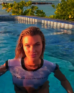 Samantha Hoopes in a Pool - 2/22/18 Instagram Video