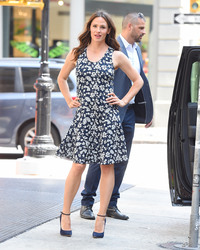 Jennifer Garner out in New York City 07/16/201889f39a921670284