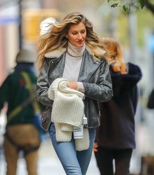 Gisele Bundchen - Out in NYC 11/20/18