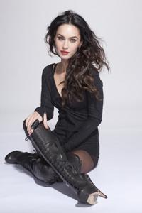 Megan Fox 3 vs. Cheryl Cole 4. (Mundial 7 grupo A jornada 1 partido 1) (FINALIZADO) 9ddd74766731713