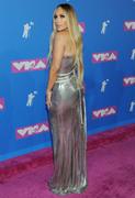 Дженнифер Лопез (Jennifer Lopez) MTV Video Music Awards, 20.08.2018 (95xHQ) 4886b1955993984