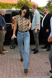 Kendall Jenner - Out in Milan 9/20/2018 abe6a1981300144