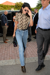 Kendall Jenner - Out in Milan 9/20/2018 501bf7981300294