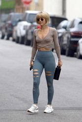 Julianne Hough going to a gym in Los Angeles - 9/28/18
