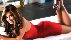 Megan Fox 3 vs. Cheryl Cole 4. (Mundial 7 grupo A jornada 1 partido 1) (FINALIZADO) Bfdd77766731573