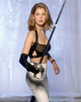 "Rosamund Pike: ""Die Another Day"" 2002 photo shoot - HQ x 1"