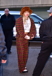 Miley Cyrus - Out in NYC 12/10/18