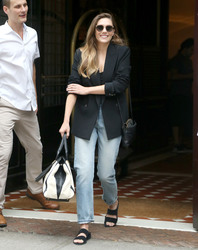 Elizabeth Olsen - Leaving her hotel in NYC 9/7/18