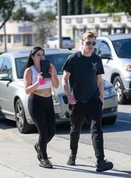 Ariel Winter Leaving Beauty By Nayera in Glendale, California - 3/6/18