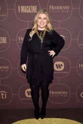 Kelly Clarkson - Warner Music Group Pre-Grammy Celebration in NYC 1/25/18