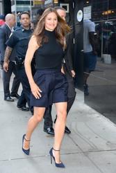 Jennifer Garner Visits 'Good Morning America' in New York City 07/16/20188b744f921666924